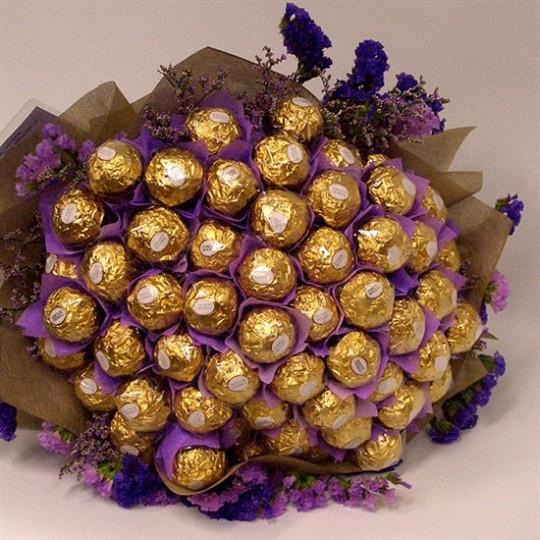Для приемных семей конфетные букеты