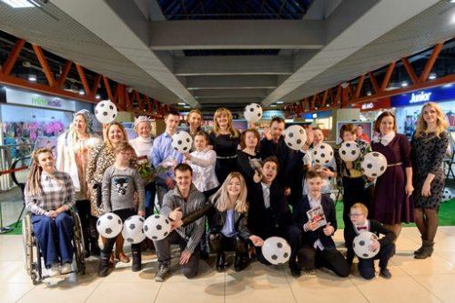 В Уфе открылась благотворительная фотовыставка «Футбол объединяет»